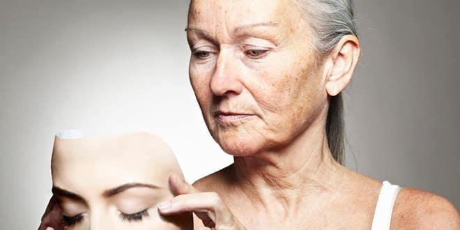 اسباب تشقق القدمين - الشيخوخة