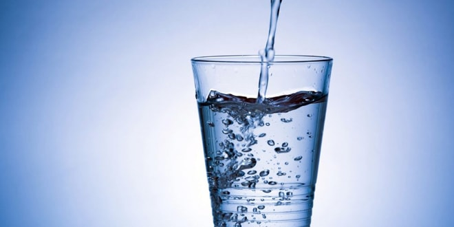 يساعد شرب المياه على انقاص الوزن