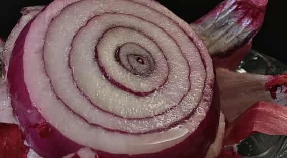علاج الشيب نهائيا بعصير البصل
