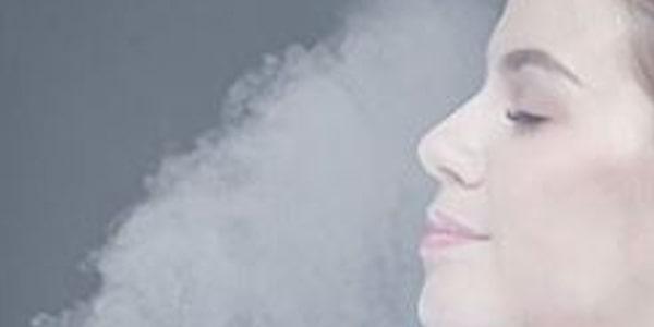 طريقة تنظيف الوجه بالبخار وازالة الرؤوس السوداء