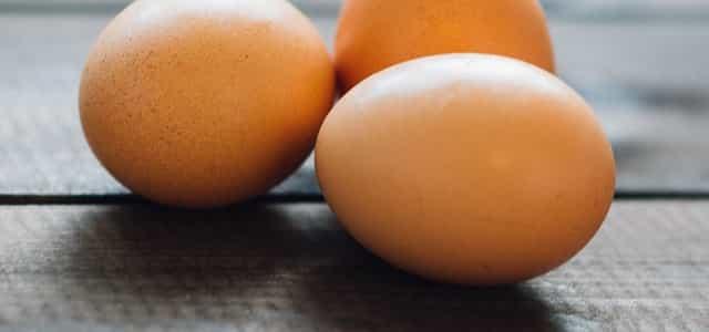 خلطة البيض لتفتيح الوجه الشاحب