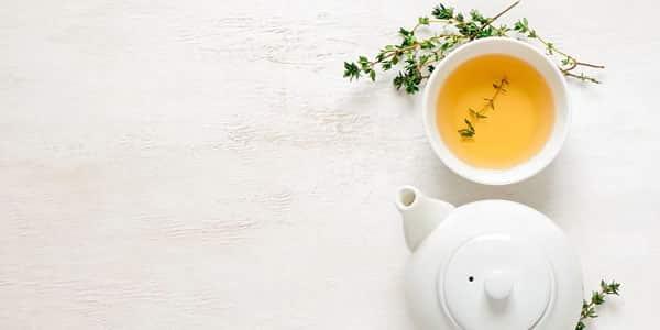 مشروب الشاي الأخضر والزنجبيل للبشرة