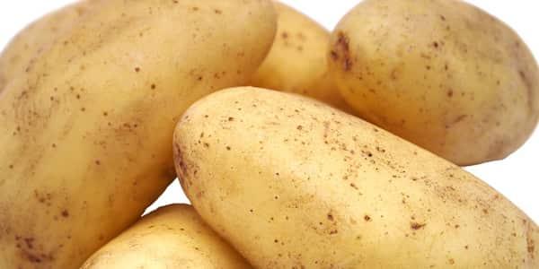 خلطة البطاطس لتبييض الرقبه والوجه