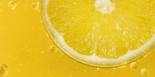 خلطة الليمون لتبييض الوجه والرقبه