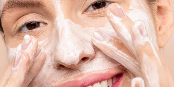 خلطة كريمات لتبييض الوجه