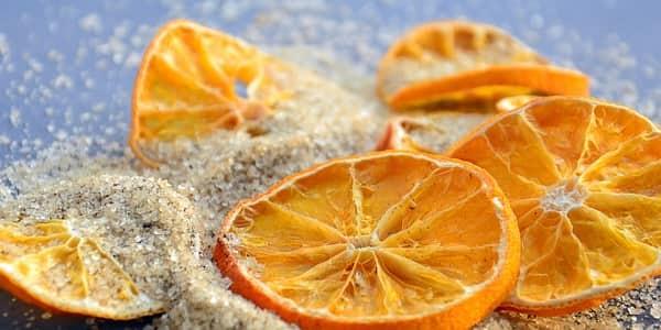 تقشير الوجه بالسكر والليمون