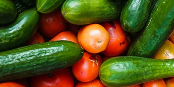 غسول الخيار والطماطم للبشرة الدهنية