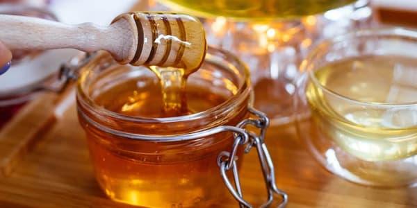 ماسك سهل بالعسل لتوحيد لون الوجه