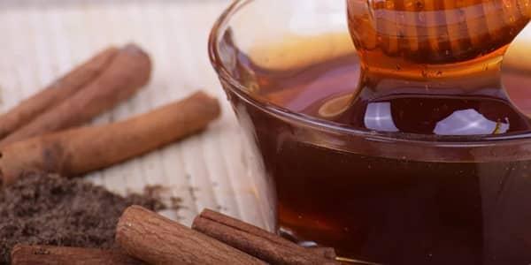 وصفة القرفة والعسل لتوحيد لون الجسم وتبييضه