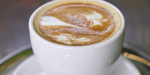 خلطة تقشير الوجه بالقهوة والحليب