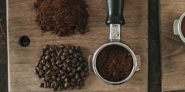 فوائد اسكراب القهوة للجسم والوجه