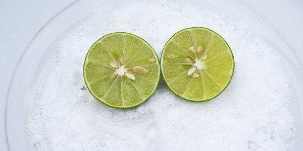 مقشر الملح والليمون