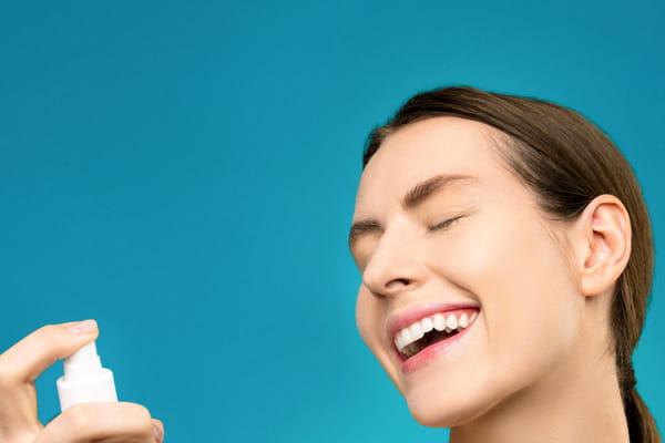 غسل البشرة بغسول الوجه
